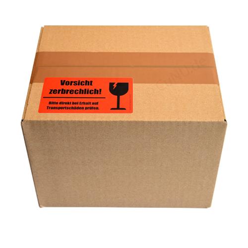 Vorsicht zerbrechlich Etikett aufgeklebt auf Karton