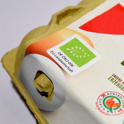 EU Biosiegel Etikett auf Eierschachtel